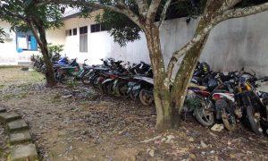 Barang Bukti lakalantas di Mapolres Sekadau yang akan dimusnahkan. Foto: Humas Polres Sekadau
