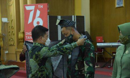 Acara pisah sambut Danyonif 645 Gardatama Yudha, Brigif 19/Khatulistiwa, Kodam XII Tanjungpura Pontianak, berlangsung di Aula Kantor Bupati Sambas, Sabtu (16/10/2021). Foto: Istimewa